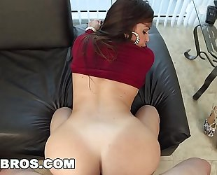 Bangbros - julianna vega's ass is the almost all awesome view in miami (ap13761)