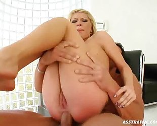 Sexy Chick Hot Anal Sex!