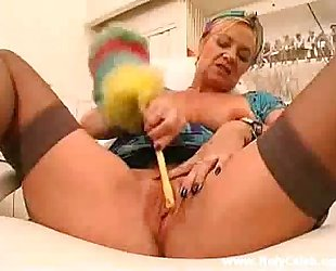 Cleaning Her Pussy