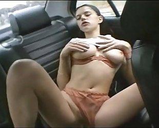 mathilda nymphomane a 18 ans