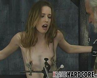 TEEN Nipple &amp_ Pussy !