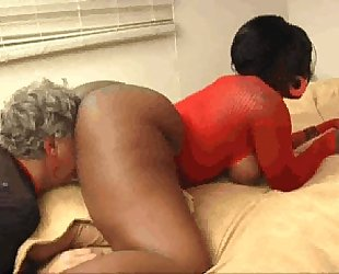 Ebony Kelly Starr makes old man smell lick eat her ass