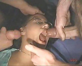 Lilli schluckt viel sperma - GGG Kacey Bukkake