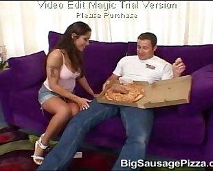 Pizz&aacute_s leg&eacute_ny fkbszinkron