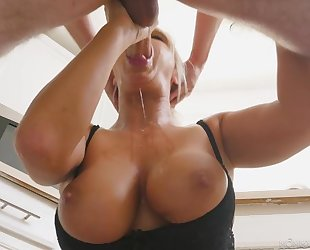 Blonde MILF rewards lucky guy with a sloppy blowjob